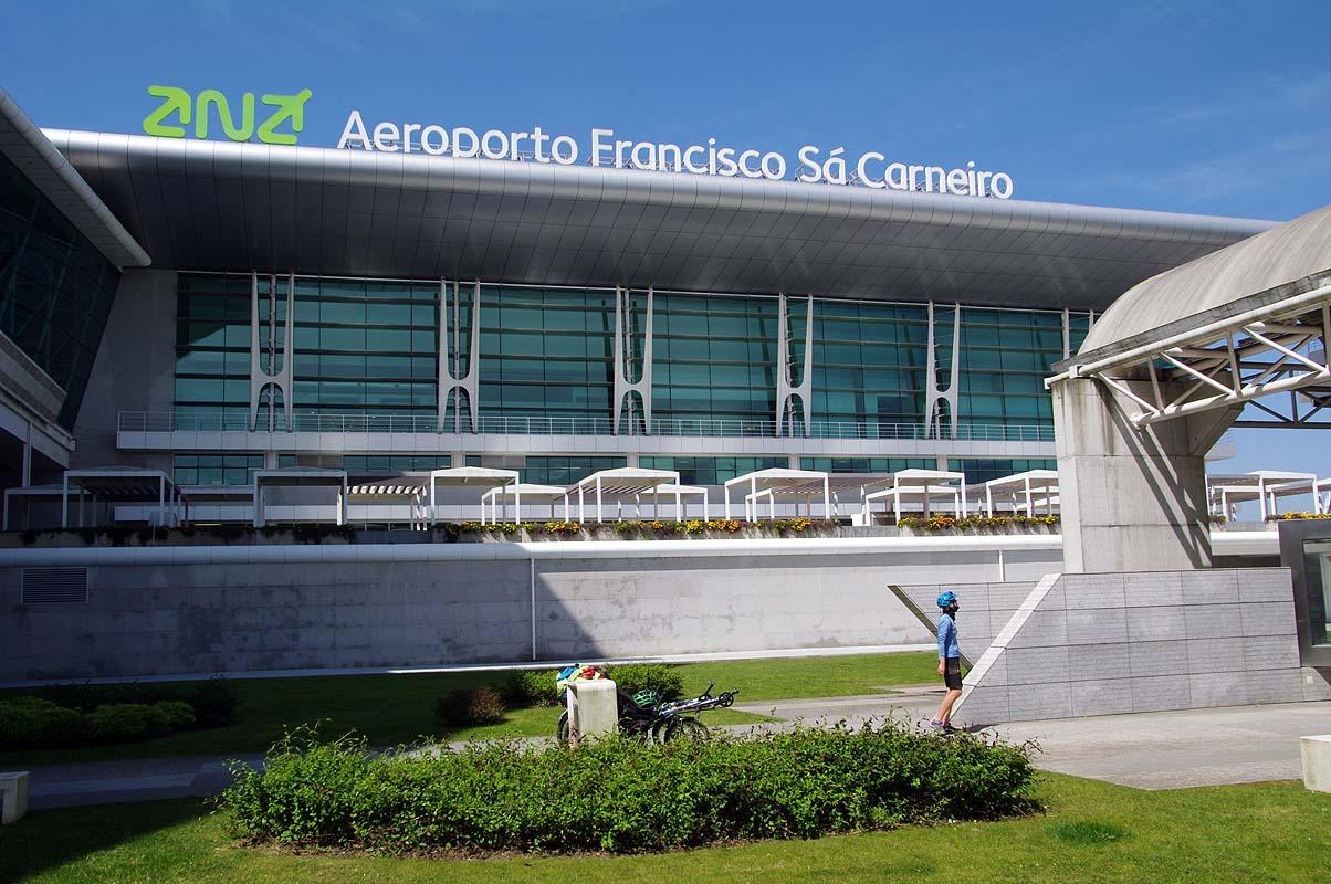 Flughafen Porto