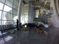 Ein letztes Mal Fahrräder zusammen bauen am Flughafen Porto