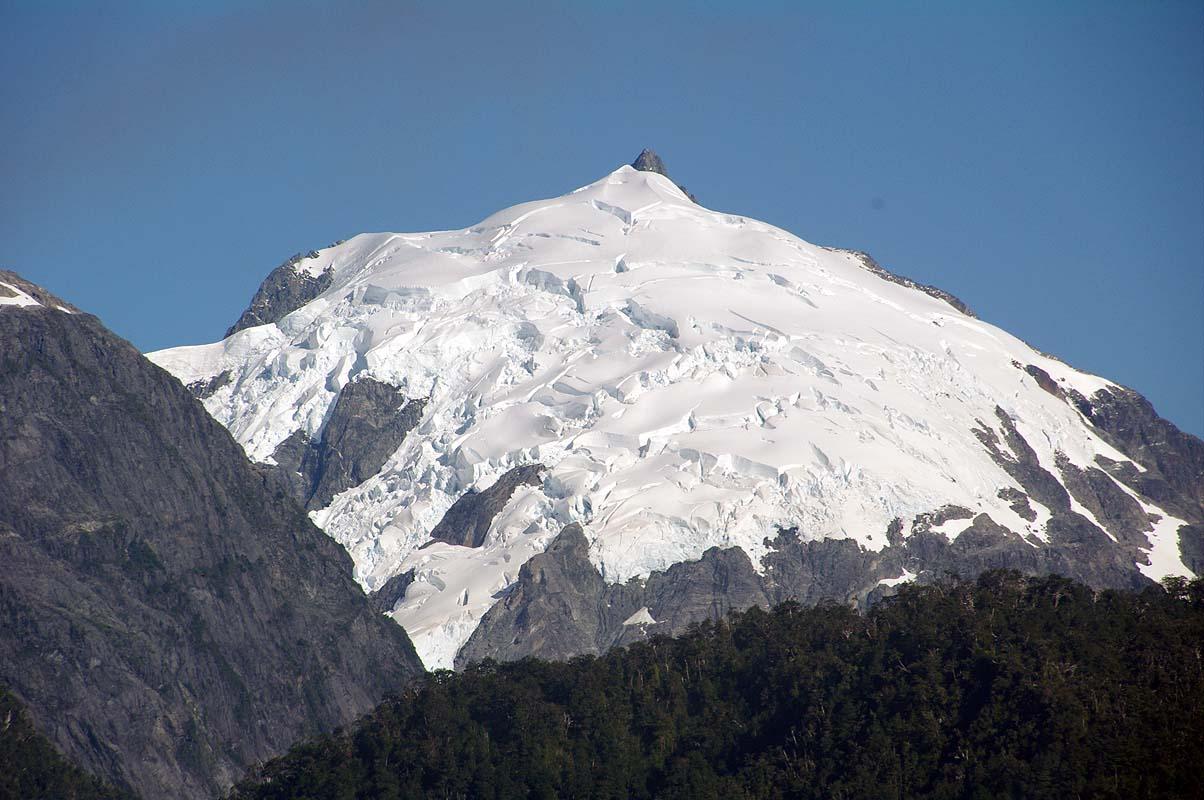 Gletscher fast bis auf Meereshöhe