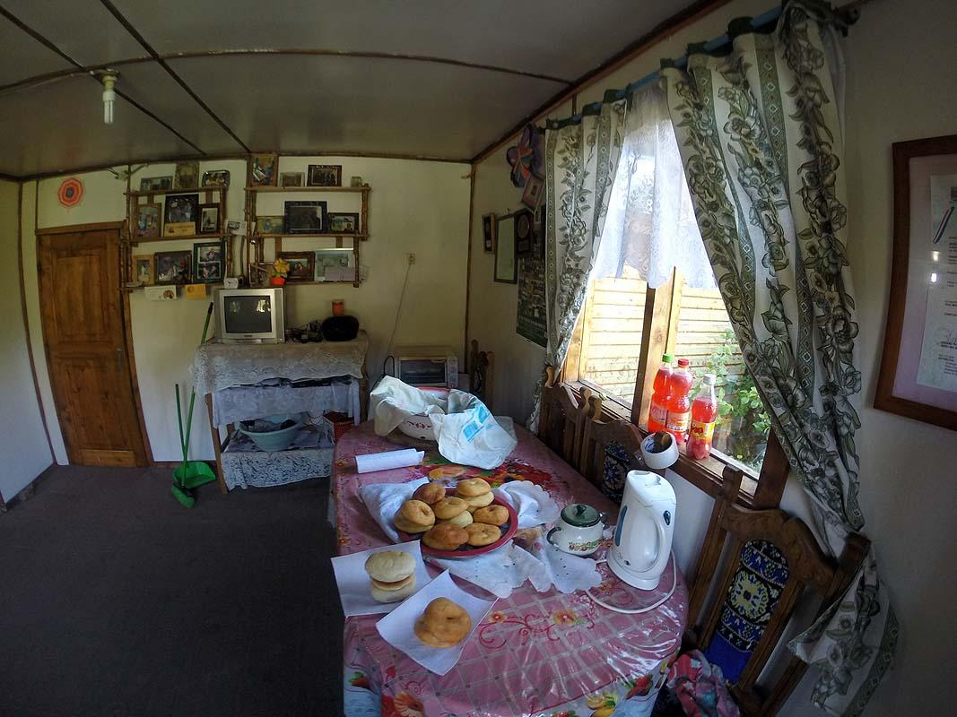 Wohnzimmer, Backstube und Verkaufsstube in einem in Tortel
