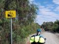 Fahrradweg mit netten Schild nahe Clare