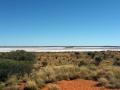 Salzsee auf dem Weg zum Uluru
