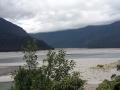 Das lange Tal aus den Bergen raus nach Haast besteht praktisch nur aus einem riesigen Flussbett