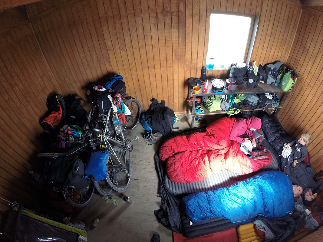 Wunderbare Schutzhütte inmitten der windumtosten Pampa
