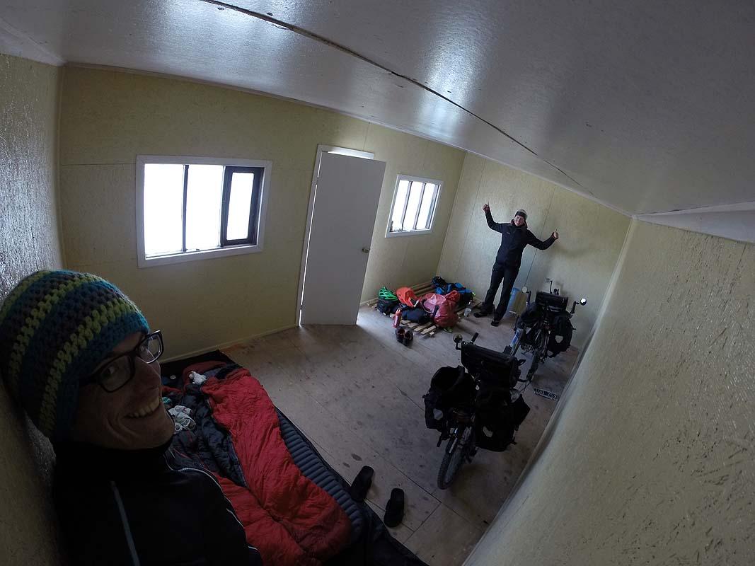 Leerstehende Hütten eignen sich perfekt als windgeschützter Schlafplatz