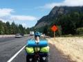 """Fahrradweg"" auf stark befahrenem Freeway (Autobahn)"