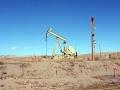 Oft sahen wir Förderstätten von Öl und Gas